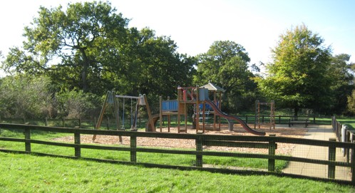 lakeside play park in nene park